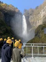 華厳の滝、毎秒4トン、すごい迫力